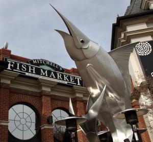 シンシナティも美味しいシーフードあります:Mitchel's Fish Marketで生ガキとカニ