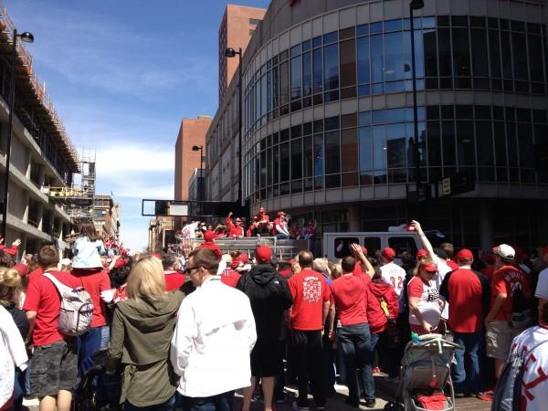 メジャーリーグ(MLB)開幕!シンシナティレッズの開幕戦で街中パレード