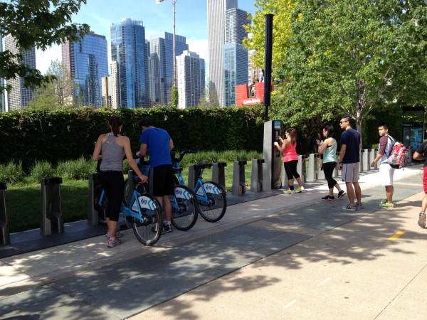 シカゴ観光は最先端レンタサイクルで!Divvy Bikeは電車より便利-駐在員シカゴ観光記④
