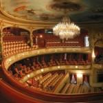 ブロードウェイはメザニン席とオーケストラ席どっちがおすすめ?
