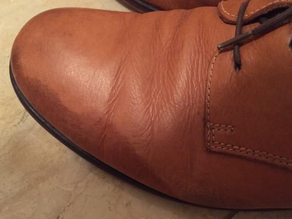 雨で革靴にシミが2