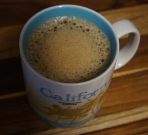 ココナッツオイルをコーヒーに2